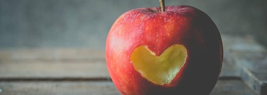 Hoeveel koolhydraten zitten er in een appel? En kan je er mee afvallen?