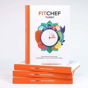 Een stapel boeken van Fitchef Turbo