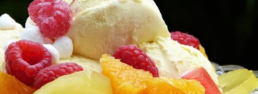 Zelf koolhydraatarm ijs maken? 3 Recepten (superlekker!)